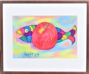 Title:「Apple37」 Artist:「成 雪」 Comment:「以前好きで描いていたお魚さんに、再度参加してもらいました。